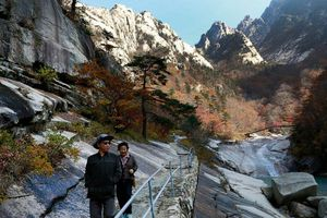 Hàn Quốc hối thúc Triều Tiên đối thoại chuyện 'tối hậu thư' về dự án núi Kumgang