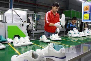 Xuất khẩu giày dép và đồ lữ hành của Campuchia tăng mạnh