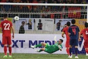 Trọng tài lấy chiến thắng của tuyển Việt Nam trước Thái Lan