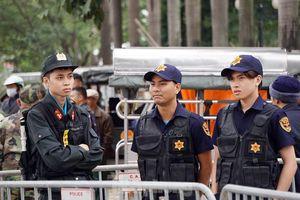 Cảnh sát dựng rào chuẩn bị trước giờ bóng lăn trận Việt Nam - Thái Lan