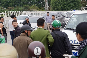 Công an Hà Nội bắt 5 đối tượng, thu giữ gần 1.000 vé giả trận Việt Nam - Thái Lan