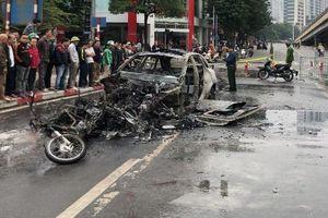 Cơ quan Cảnh sát điều tra vào cuộc vụ xe Mercedes gây tai nạn liên hoàn, bốc cháy khiến 1 người tử vong