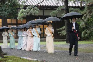 Nghị sĩ Nhật đề xuất thêm nam giới vào hoàng gia để có người kế vị