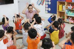 Đôi mắt học trò soi sáng lương tâm nghề giáo