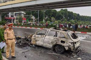 Danh tính nữ tài xế Mercedes cuốn 3 xe máy vào gầm ở Lê Văn Lương