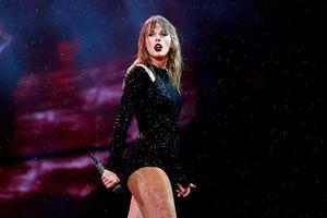 Taylor Swift đang chuẩn bị màn 'dằn mặt thế kỉ' trên sân khấu AMAs cùng Selena Gomez, Halsey,…?