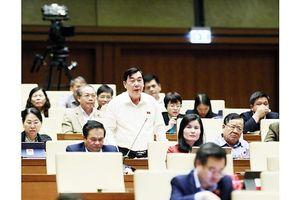 Thông qua Bộ luật Lao động (sửa đổi), cho ý kiến về hai dự án luật