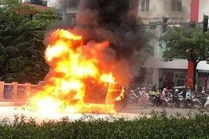 Vụ xe Mercedes gây tai nạn liên hoàn ở Hà Nội: Nạn nhân sống sót sợ hãi kể lại phút thoát khỏi 'tử thần'