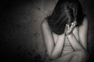 Gửi ảnh nhạy cảm cho bạn trai quen qua mạng, nữ sinh nhiều lần bị ép quan hệ