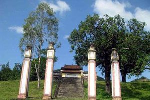 Huyền thoại về long huyệt dưới chân núi Hoành Sơn