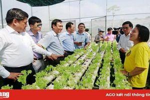 Thứ trưởng Bộ Nông nghiệp và Phát triển nông thôn Trần Thanh Nam làm việc tại An Giang