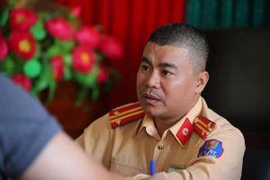Phó Thủ tướng gửi thư khen CSGT cứu người kẹt ở đầu xe Mercedes cháy