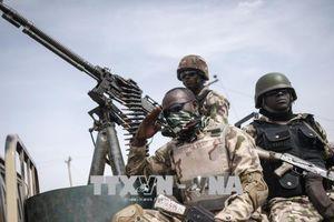 Các tay súng bắt cóc 8 người dân Nigeria