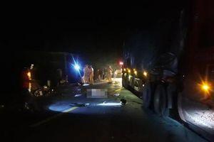 Hai người cùng tên thiệt mạng sau khi tông vào xe container
