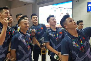 ĐT U22 Việt Nam và ĐT nữ Việt Nam đã có mặt tại Manila- Philippines
