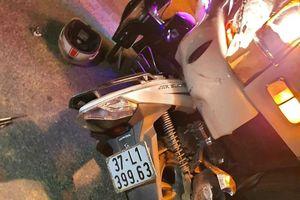 Nghệ An: Xe máy và xe tải đâm nhau, 3 người thương vong