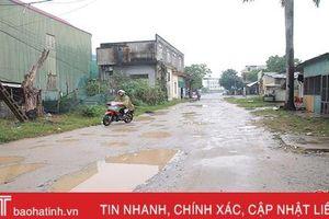 Người dân vùng trung tâm TP Hà Tĩnh phát khiếp với những 'con đường đau khổ'