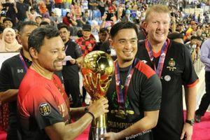 Bóng đá Brunei và câu chuyện về một người lau chùi cửa sổ trở thành… huyền thoại