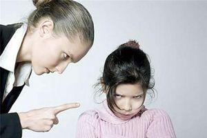Đừng bắt con răm rắp nghe lời, để trẻ tự chạm vào thế giới