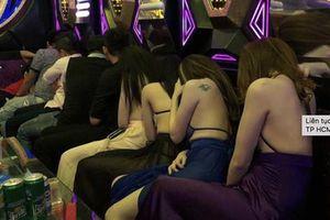 4 cô gái xinh đẹp bị giam lỏng, đánh đập, ép phục vụ quán karaoke