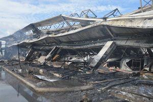 Vụ cháy kinh hoàng tại Cty May Nhà Bè: Công nhân bao giờ được đi làm?