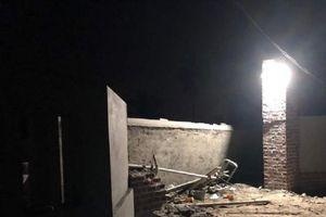 Quảng Ninh: Cổng nhà đổ sập khiến hai công nhân tử vong