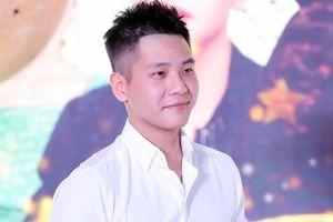 'Hot boy triệu views' Quân A.P không sợ mất nam tính vì làm đẹp