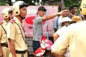 Bắt giữ 4 thanh niên tấn công CSGT khi bị giữ lại vì không đội mũ bảo hiểm