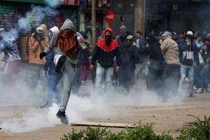 Mỹ lại đảo ngược chính sách Trung Đông, Nam Mỹ chìm trong biểu tình bạo lực