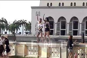 Trung Quốc giáo dục công dân cách cư xử khi tới Malaysia