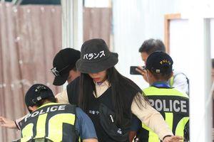 Cảnh sát soát người CĐV, sân Binan siết chặt an ninh trước trận ra quân U22 Việt Nam