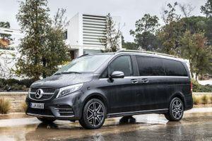 Mercedes V-Class ra mắt phiên bản mới tại VN, tăng giá bán