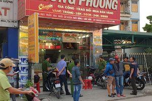 Bắt đối tượng cung cấp súng cho 2 nghi can cướp tiệm vàng ở TP.HCM