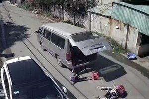 Tăng cường quản lý xe đưa đón sau vụ ba học sinh bị văng xuống đường