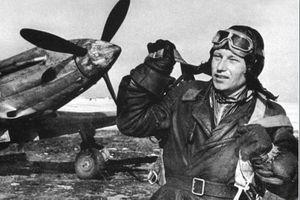 Lạ kỳ phi công Liên Xô được cả Stalin và Hitler khen thưởng