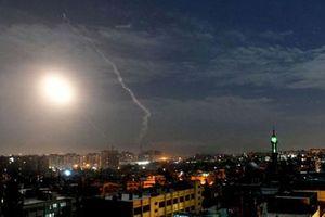 Israel khoe chiến tích nã bom đạn suốt đêm, Syria dội ngay 'gáo nước lạnh'