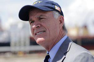 Cựu bộ trưởng Hải quân Mỹ vừa mất chức chính thức lên tiếng