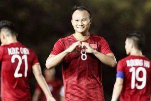 Trọng Hoàng tặng bàn thắng cho vợ sau trận gặp U22 Lào