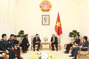 Phó Thủ tướng Thường trực tiếp Bộ trưởng Bộ Quốc phòng Mông Cổ