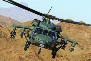 Dùng động cơ 'tí hon', Black Hawk vẫn giúp Quân đội Mỹ 'đánh đông dẹp bắc'