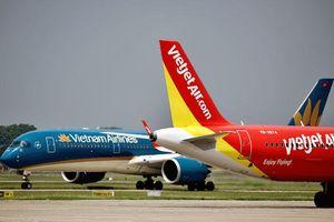 Ngược chiều nới rồi siết, hàng không Việt lo lỡ cơ hội