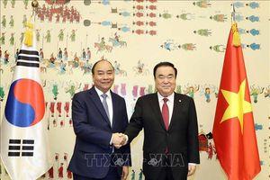 Thủ tướng Nguyễn Xuân Phúc hội kiến Chủ tịch Quốc hội Hàn Quốc