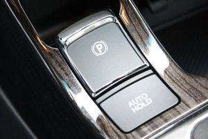 Phanh tay cơ và phanh tay điện tử, loại nào an toàn hơn?