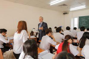 Có thể học ngành Kinh doanh quốc tế nếu như bạn chưa giỏi tiếng Anh?