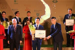 Amway 4 năm liên tiếp lọt Top 100 Doanh nghiệp Phát triển bền vững