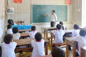 Giáo viên 'đánh vật' với các cuộc thi