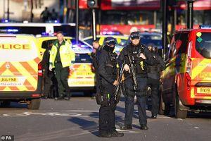 Cảnh sát Anh tiêu diệt nghi phạm khủng bố trên cầu London