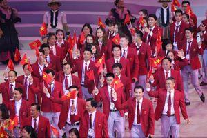 Đoàn thể thao Việt Nam trong lễ diễu hành khai mạc SEA Game 30