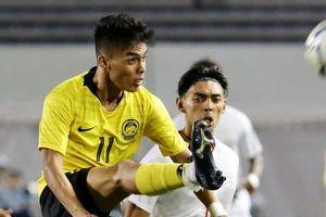 U22 Malaysia thua vì dùng sơ đồ 3 trung vệ
