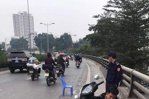 Truy tìm xe bán tải gây tai nạn bỏ trốn trên đường Vành đai 2